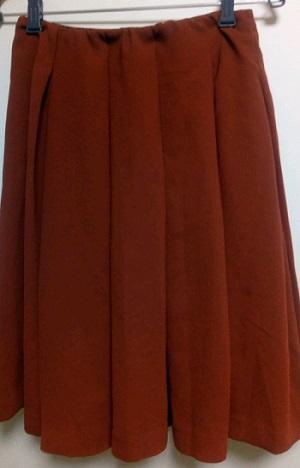 赤茶スカート