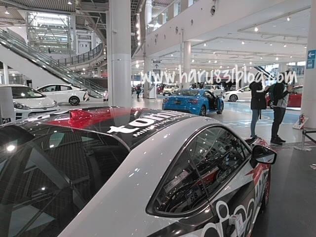 メガウェブのレーシングカーの写真